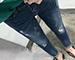 水洗刷色捲邊牛仔褲