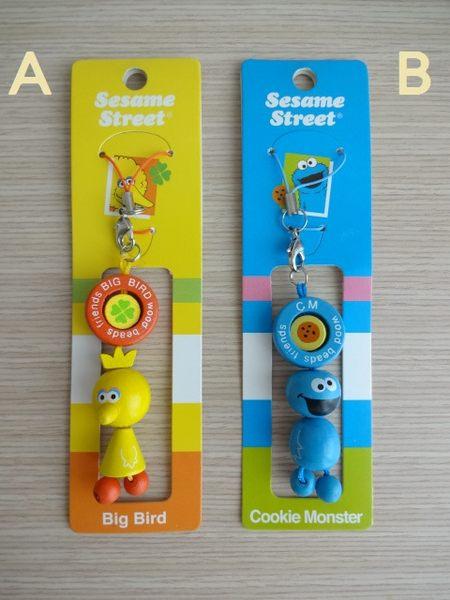 ☆草莓牛奶屋☆日本進口【芝麻街Sesame Street】可愛木製手機繩吊飾