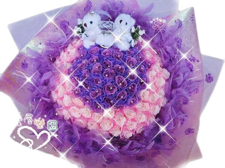 娃娃屋樂園~求婚成功~108朵玫瑰香皂羽毛花束一對13cm小熊-送大鑽戒每束3200元情人節花束