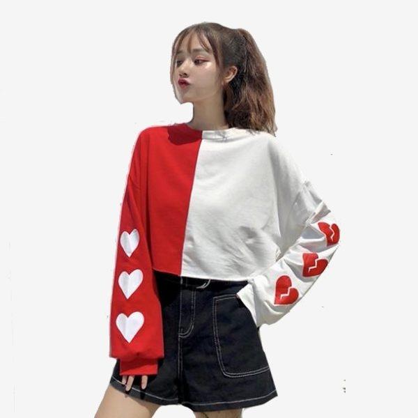 街頭風左右撞色愛心印花寬鬆短版長袖上衣 (紅白  黑白)