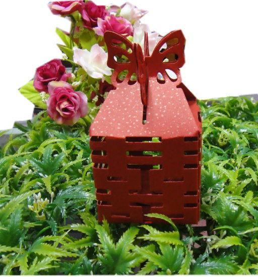 免費摺喜糖盒婚禮小物-雙喜蝴蝶剪影四面鏤空喜糖盒喜糖桌上禮送客禮二次進場