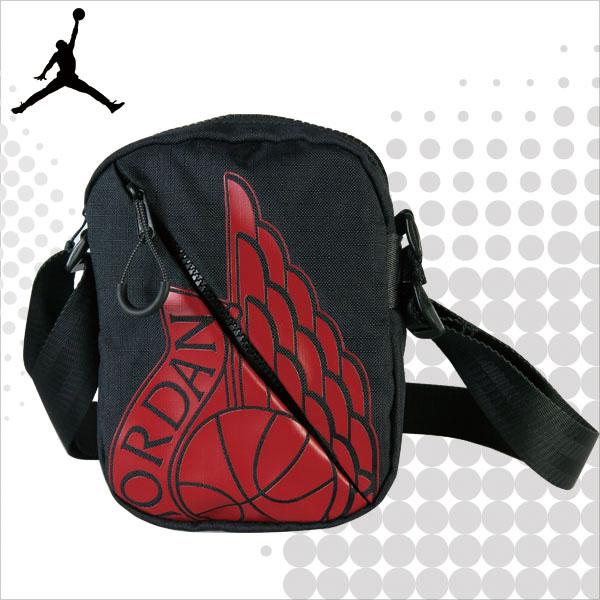 JORDAN 喬丹 側背包 WINGS FESTIVAL 小包 隨身包 斜背包 黑色 9A0198-023 得意時袋