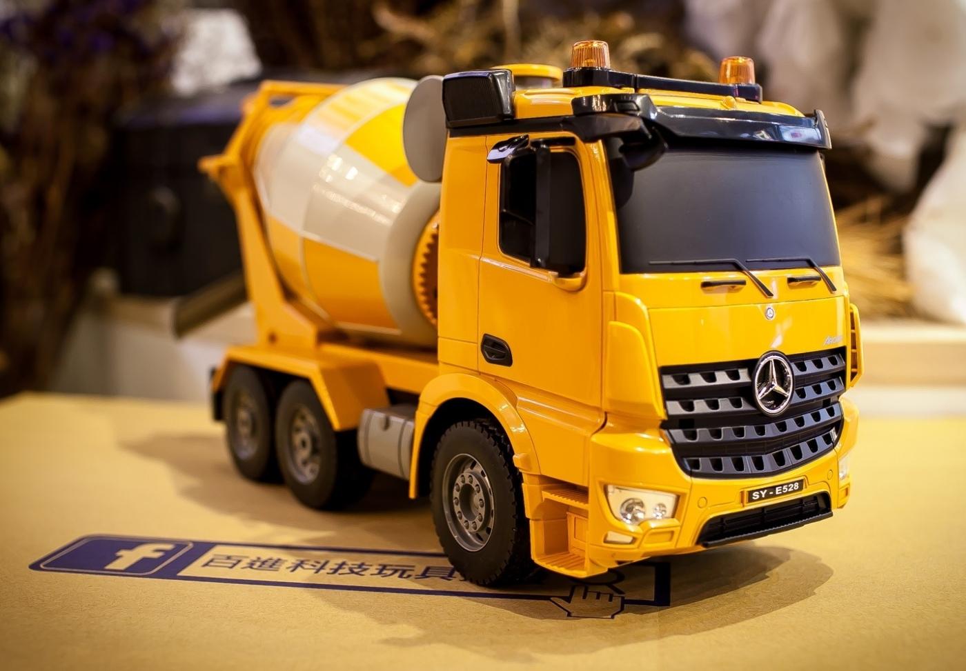 遙控水泥車攪拌車遙控混泥土車