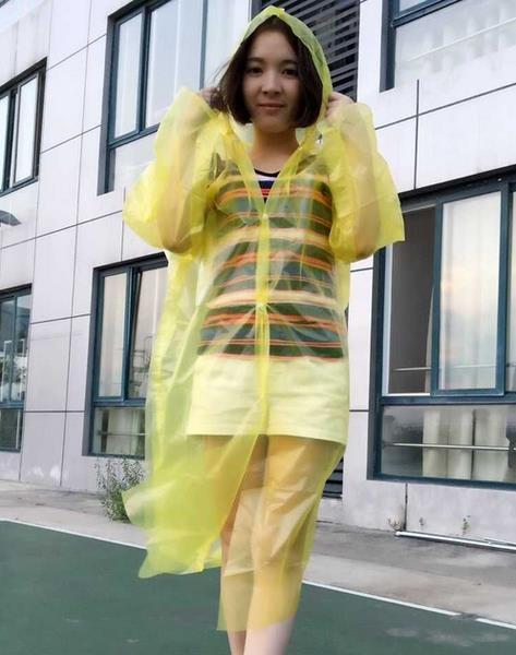 [協貿國際]一次性雨衣成人兒童戶外旅游加厚1入