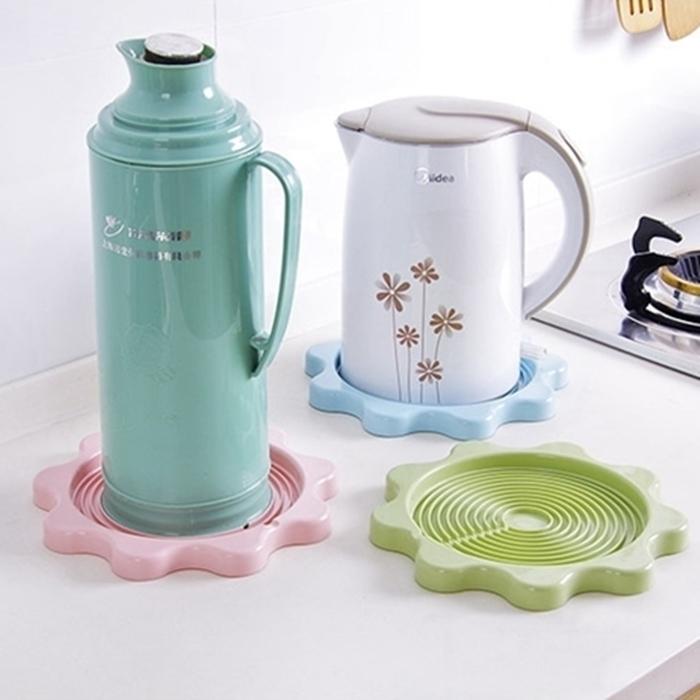 拉拉百貨馬卡龍色花形水壺隔熱墊暖壺水壺托盤家用熱水瓶熱墊隔熱墊