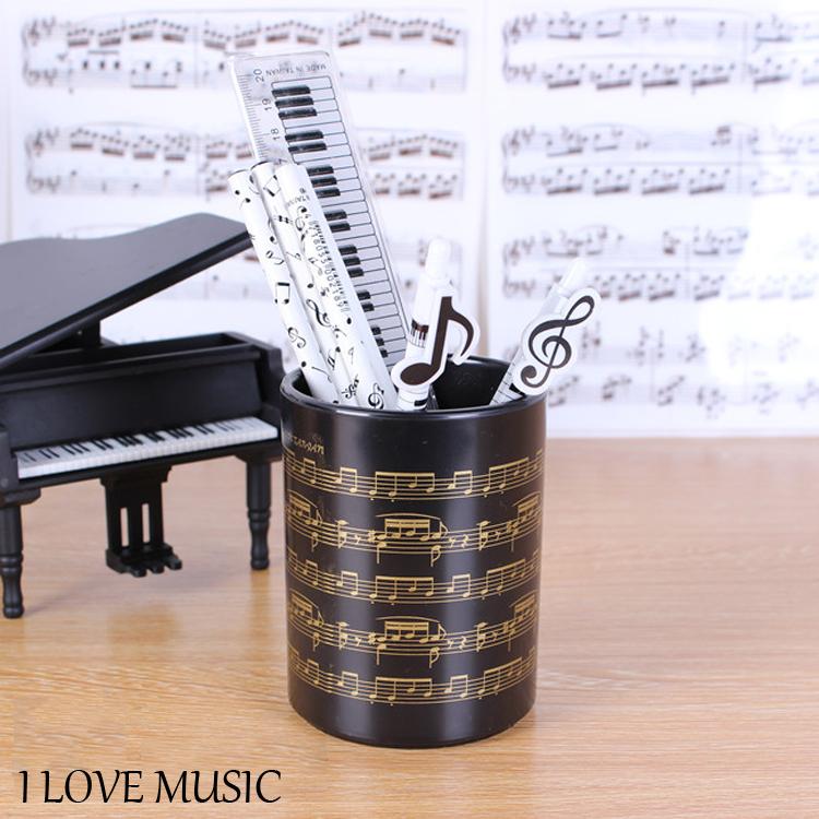 【小叮噹的店】台製 IP05M 筆筒.金色樂譜 中型 樂譜筆筒