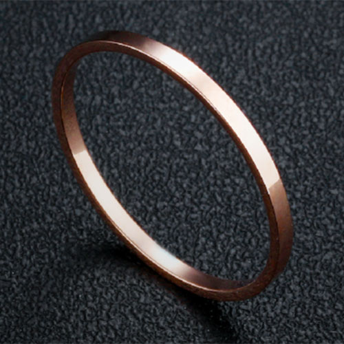《 QBOX 》FASHION 飾品【R100N515】精緻秀氣細版素面玫瑰金316L鈦鋼戒指/戒環
