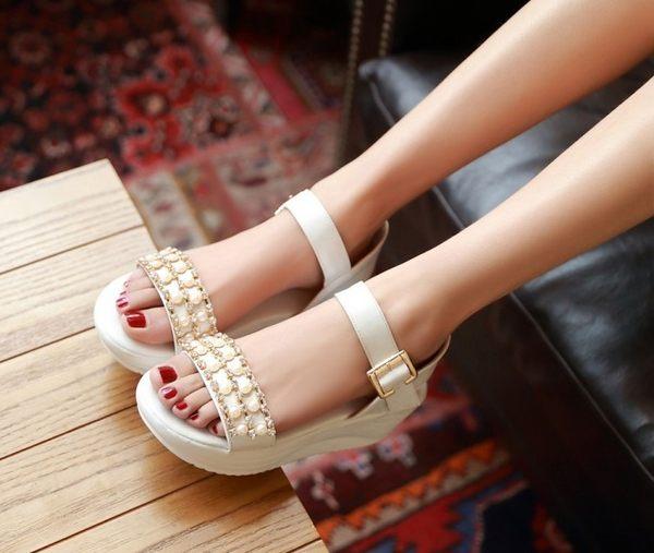 俏魔女美人館日韓系水鑽串珠厚底涼鞋小清新甜美珍珠鬆糕搖搖底坡跟女鞋