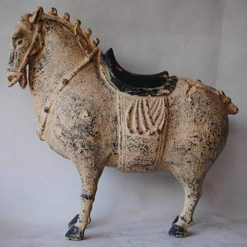 客廳玄關馬擺飾