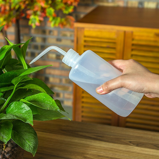 ♚MY COLOR♚ 擠壓式尖嘴澆水壺(500ml) 多肉植物 噴壺 噴瓶 居家 園藝DIY 植物【N273】