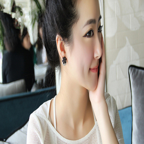 無耳洞耳環一對 韓系花卉珍珠耳夾 共兩色 091 (現貨販售)【寶來小舖 BOLAI SHOP 】