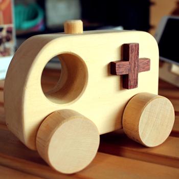 【木樂館】原木救護車│阿拉斯加扁柏黃檜│天然無毒嬰幼兒兒童益智安全玩具車