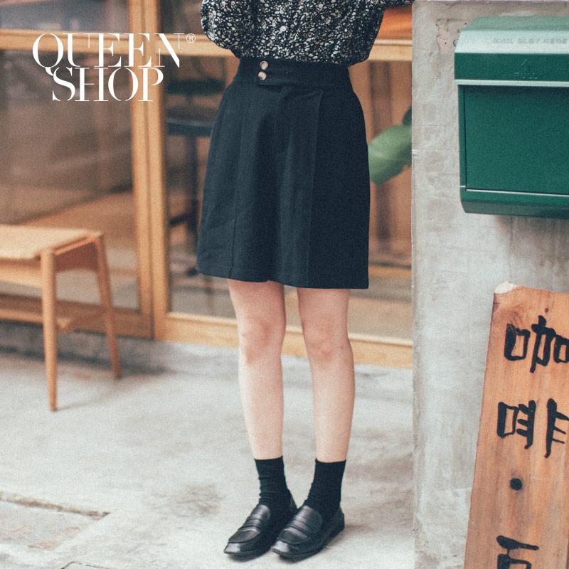 Queen Shop【04130075 】雙釦造型五分西裝短褲 兩色售 S/M/L*現+預*