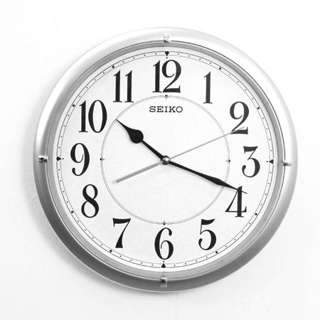 SEIKO精工掛鐘星光銀色大數字設計時鐘滑動式靜音秒針柒彩年代NG1719原廠公司貨