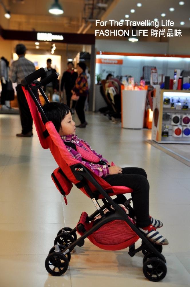 時尚品味嬰兒車出租日本口袋型推車POCKIT新生兒時尚桃紅推車出租