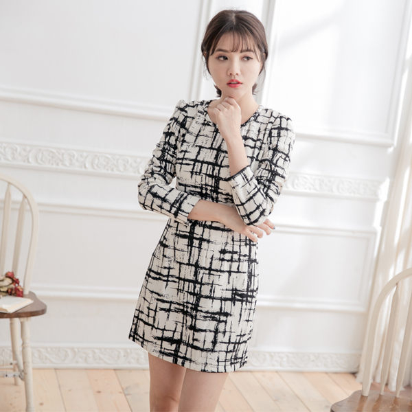針織黑白十字紋圓領七分袖洋裝