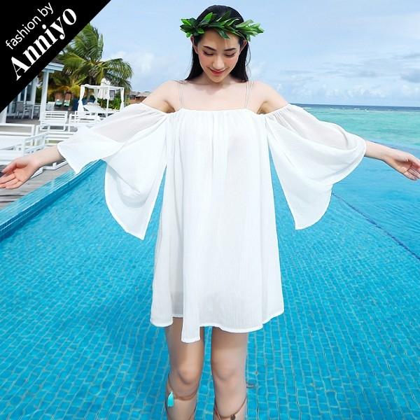 Anniyo安妞細肩帶一字領露肩五分袖寬鬆純色雪紡壓皺波西米亞海邊度假沙灘裙連衣裙洋裝白色