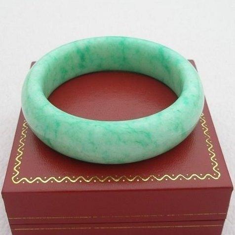歡喜心珠寶天然蛇紋岩玉白底青手鐲玉鐲圍19圍商品優化處理D C貨提供教學樣品