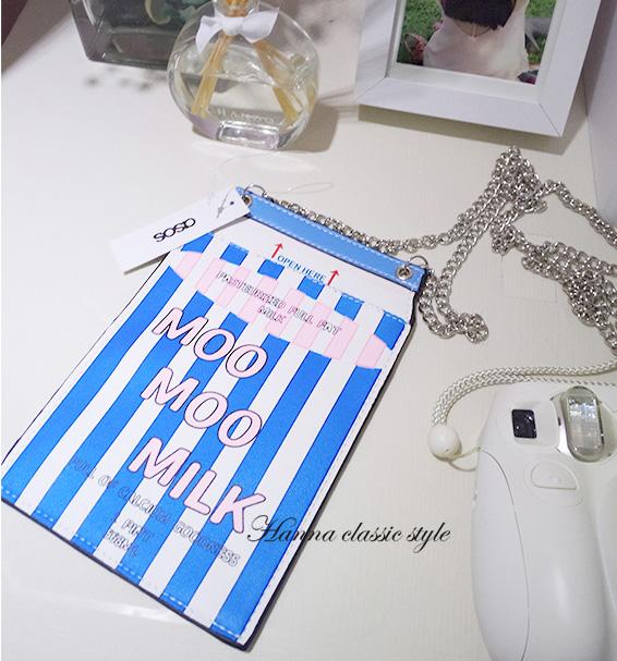 《花花創意会社》藍色條紋牛奶罐。手機鏈帶斜揹小包【H4360】
