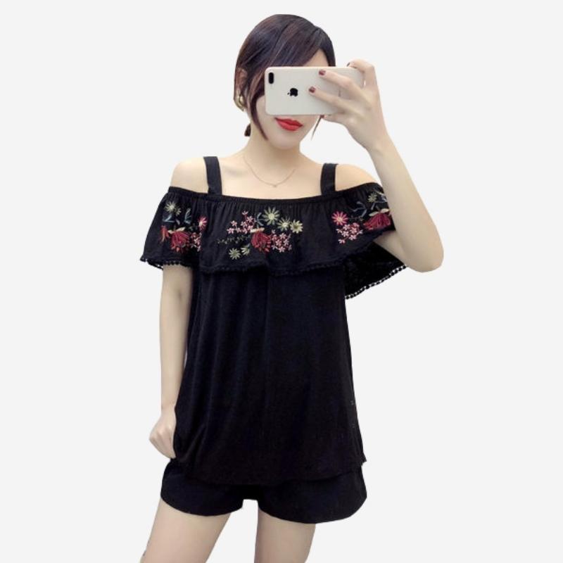 棉麻寬吊帶露肩一字領花朵刺繡上衣
