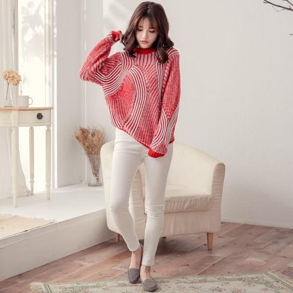 紅白雙色立體波紋柔軟毛衣