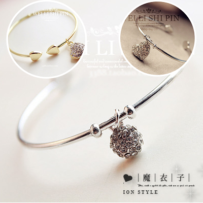 【Q20A39】魔衣子-滿鑽桃心鏤空雕花開口手鐲手環