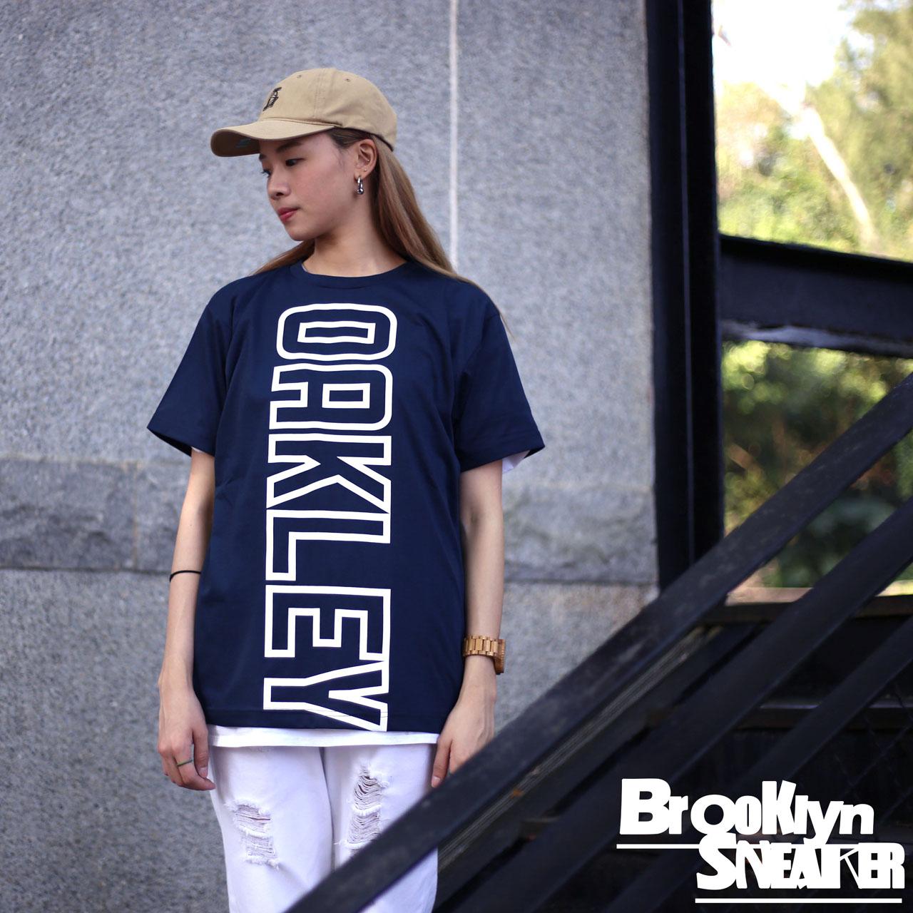 OAKLEY深藍色吸濕排汗直向大OAKLEY短袖短T布魯克林2017 4月456679JP60B