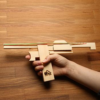 【木樂館】原木六連發橡皮筋玩具槍│阿拉斯加扁柏黃檜│童玩創意橡皮筋玩具槍