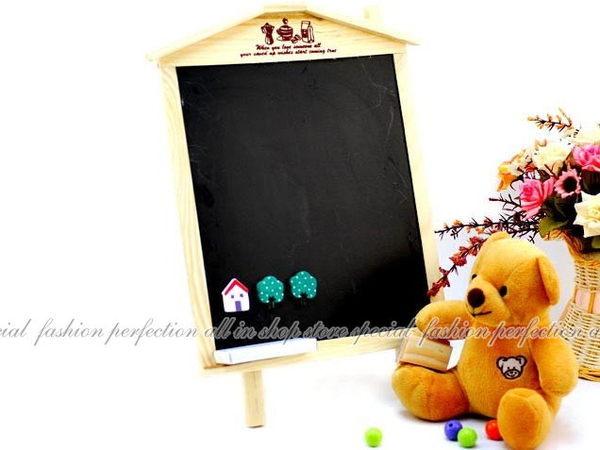 DG418韓版田園木屋掛立兩用黑板吊掛式站立式磁性大黑板送磁鐵板擦粉筆EZGO商城