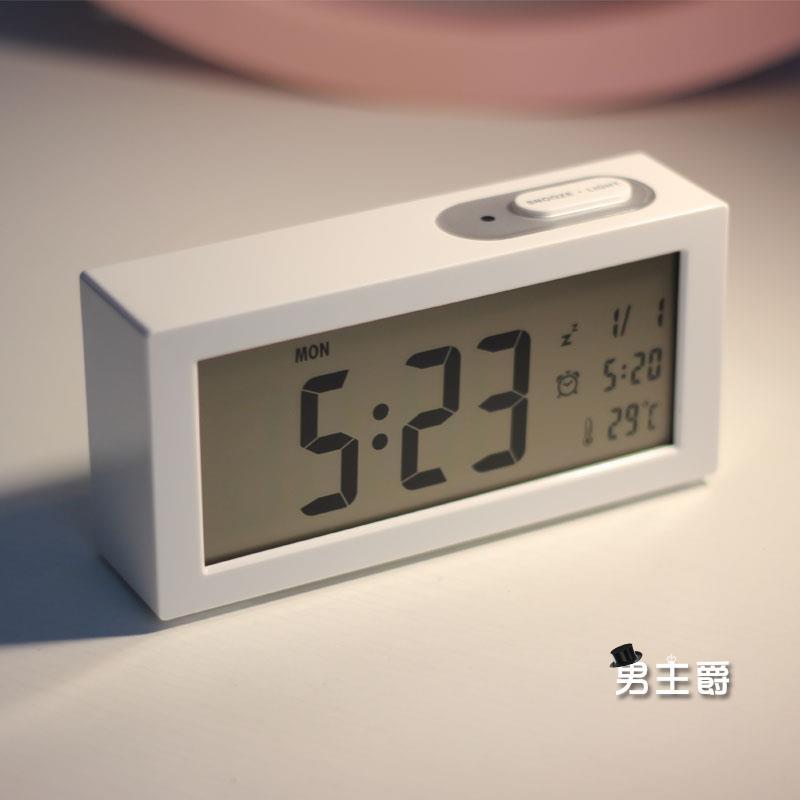 電子鬧鐘夜光靜音鬧鐘創意臥室床頭鐘時尚簡約學生LED電子鐘表男主爵