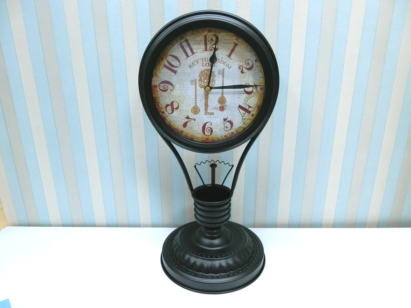 燈泡造型桌鐘FCA1-1鐵製造型桌鐘玻璃時鐘復古桌鐘仿舊裝飾鐘復古鐘絢寓居家