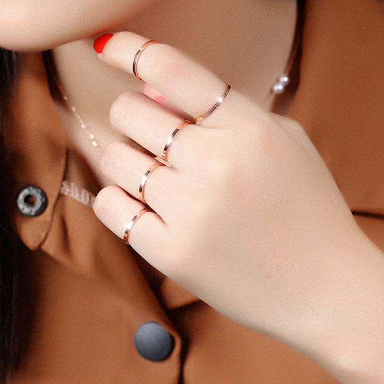 【5折超值價】最新款時尚精美簡約造型女款鈦鋼戒指