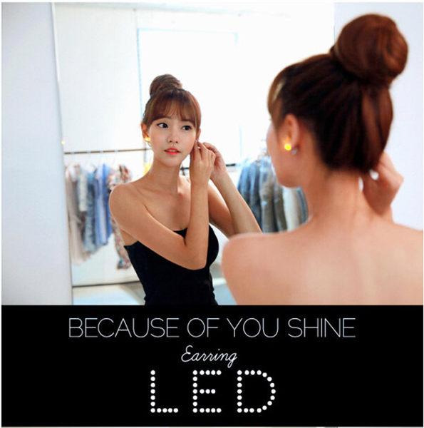 韓國LED發光耳環 愛心 新款 9色 耳環 跑趴 夜店 演唱會 舞台 聖誕節 熱銷 批發(單件)