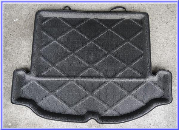 吉特汽車百貨第二代日產NISSAN LIVINA 1.8專用凹槽防水托盤.防水墊.防水防塵.密合度高