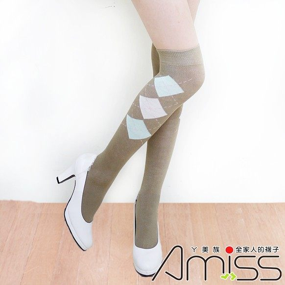 Amiss-襪子團購網♥【B703-17】中統少女棉襪-蘇格蘭(卡其)