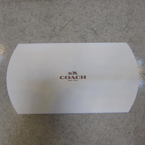 雪黛屋~COACH短夾盒國際正版短型皮夾零錢包紙盒進口厚紙材質可摺疊收納展開為盒-短夾盒9601