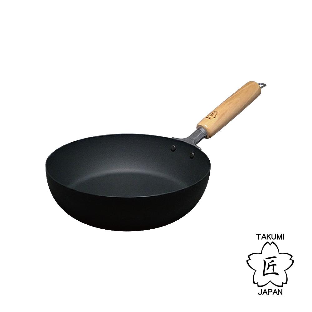 日本TAKUMI匠岩紋平底鐵鍋20cm