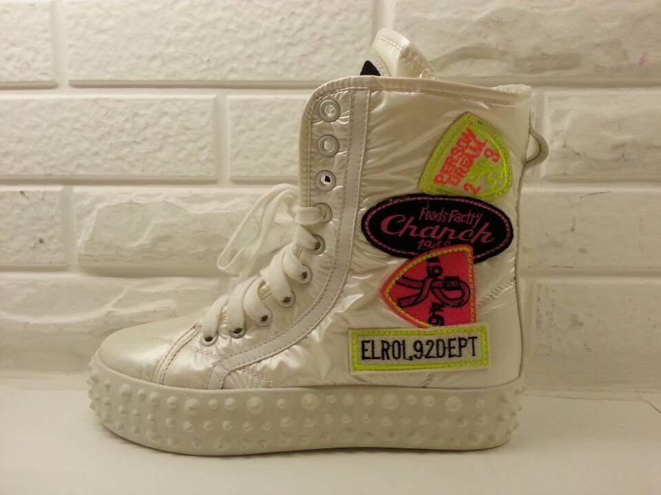 卡樂store.防水布中筒靴中筒靴增高厚底yyms267-2白色