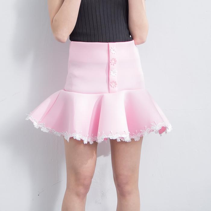 俏麗空氣棉貼花魚尾短裙  [白 粉 黑] 三色售 MDS160000