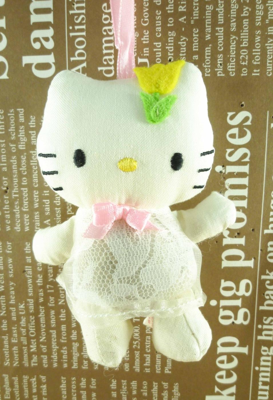 【震撼精品百貨】Hello Kitty 凱蒂貓~HELLO KITTY芳香絨毛吊飾-金香蕾絲
