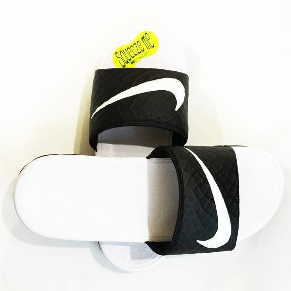 特價NIKE拖鞋Wmns Benassi Solarsoft黑白配705475-010流行沙海灘鞋潮流百搭時尚情侶鞋運動休閒男女鞋
