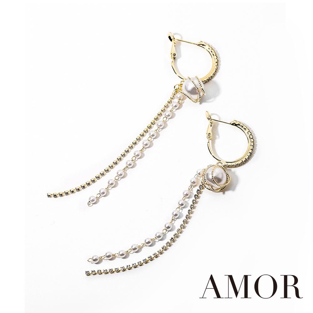 AMOR 氣質名媛風香檳金仿珍珠長耳環/耳針