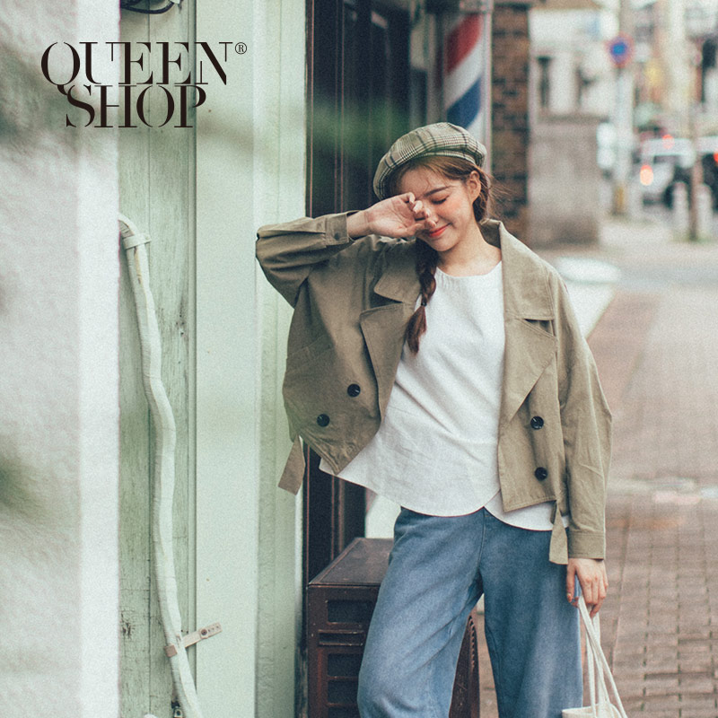 Queen Shop【02071122】翻領排釦下擺造型外套 兩色售*現+預*