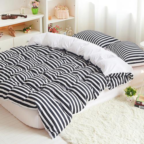 雙色條紋加大四件式兩用被床包組-黑白空間RODERLY