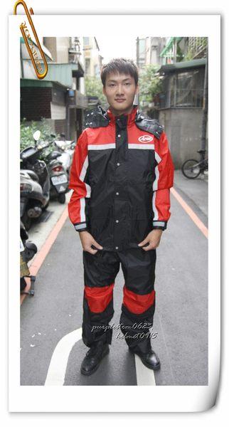 林森●ARAI多功能套裝雨衣,兩件式,K8,含簡易式鞋套,黑紅