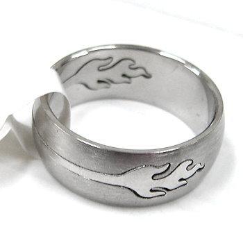 火焰圖案白鋼戒指↘99元