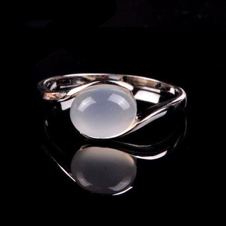 水晶月光石戒指鴿子蛋形