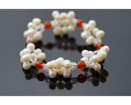紅玉髓淡水珍珠手鍊想要表達自我時銀粉橘色的光芒閃耀著神祕的風采很受歡迎的飾品