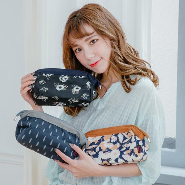 韓國花紋手拿化妝收納包鋼架化妝包旅行收納袋旅行袋錢包SV8350快樂生活網