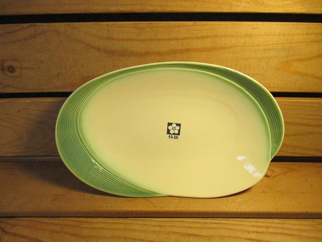 佐和陶瓷餐具~XL050318-5白織布10吋變形皿-日本製餐廳擺盤魚盤肉盤菜盤